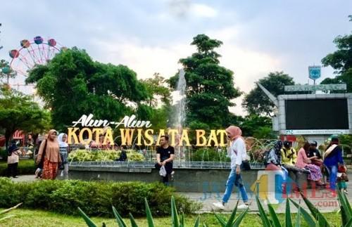 Alun-Alun Kota Batu. (Foto: Irsya Richa/MalangTIMES)