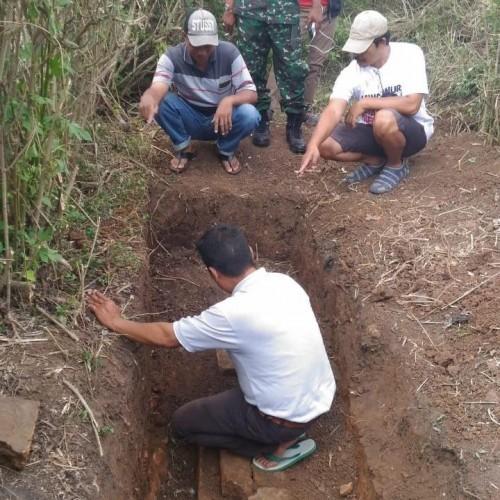 Struktur bangunan kuno ditemukan di area sawah Desa Pendem, Kecamatan Junrejo.