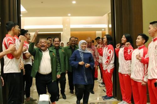 Gubernur Khofifah Lepas Langsung 119 Atlet Jatim yang Berlaga di Sea Games