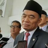 Menteri Muhadjir Menyayangkan Dijatuhkannya Sanksi kepada Dua Siswa Penolak Hormat Bendera
