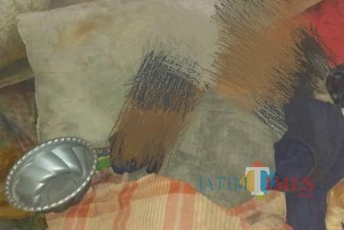 Jasad korban yang sudah ditemukan terbujur kaku diatas kasur (ist)