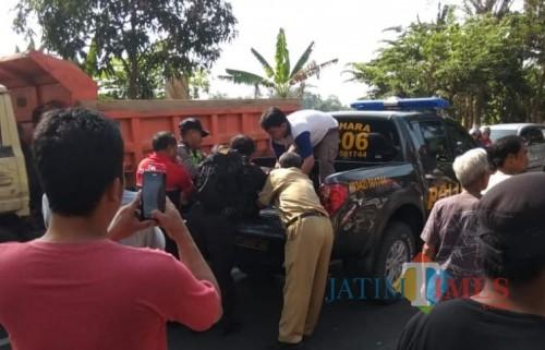 Satu orang tewas dalam tabrakan beruntun di Karangrejo.(Foto : Team BlitarTIMES)
