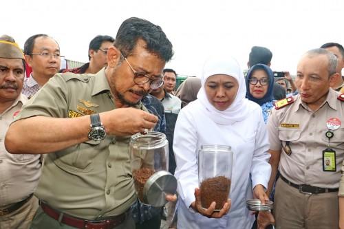 Mentan RI dan Gubernur Khofifah Lepas Ekspor Komoditas Pertanian Jatim Senilai Rp 805 Miliar