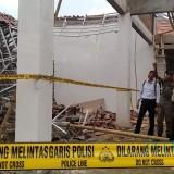 Proyek Pendopo Kecamatan Senilai 2 Miliar Rupiah Roboh