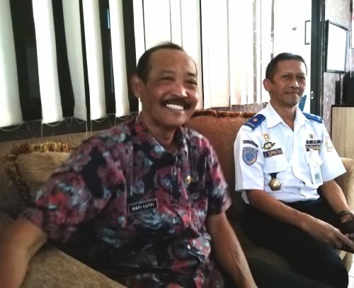 Kepala Dishub Kabupaten Malang Hafi Lutfi (kiri) saat menyampaikan rencana kegiatan hadapi Natal dan Tahun Baru 2019 (Nana)