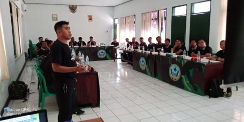 Ramai Peminat Lisensi D Kepelatihan di Surabaya, Hanafing: Siapa pun Bisa Jadi Pelatih Hebat