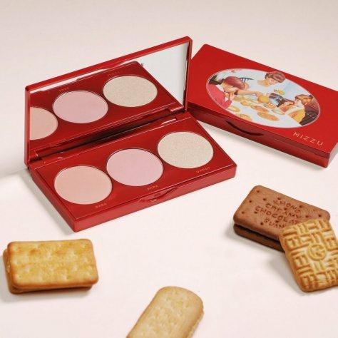 Brand make up ala biskuit Khong Guan (Foto: Istimewa)