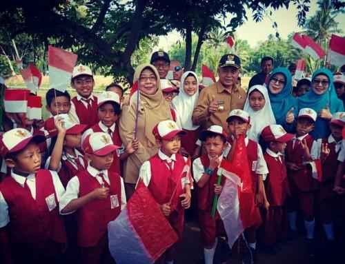 Bupati Malang Sanusi bersama para pelajar dalam acara Gema Desa (Humas Pemkab Malang)