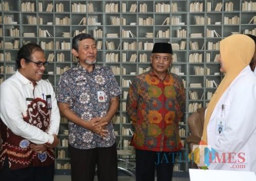 Bupati Malang Sanusi (3 dari kiri) saat meninjau RSUD Kanjuruhan Kepanjen dalam tindaklanjut rumah sakit pendidikan (dok MalangTimes)