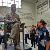 Patung Bung Karno di Stasiun Blitar Jadi Patung Pertama di Dalam Stasiun Kereta Api di Indonesia