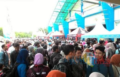 Para pencari kerja di Kabupaten Malang yang didominasi para lulusan SMK/SMA dan sederajat (Nana)