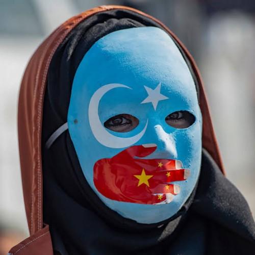 Ramai terkait perlakuan tak manusia China atas muslim Uighur, Mesut Ozil lemparkan kritik keras (Newsweek)