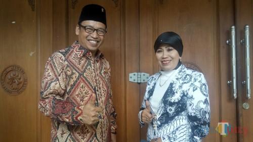 (kiri ke kanan) Ketua Komisi D DPRD Kota Malang, Achmad Wanedi dan Kepala Dinas Pendidikan Kota Malang, Zubaidah (Foto: Imarotul Izzah/ MalangTIMES)