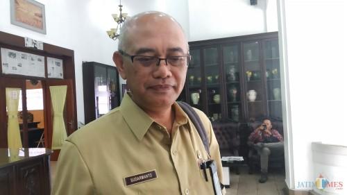 Kabid Bidang Informasi Dinas Kependudukan dan Pencatatan Sipil (Dispendukcapil) Kota Malang, Darmanto (Pipit Anggraeni/MalangTIMES).