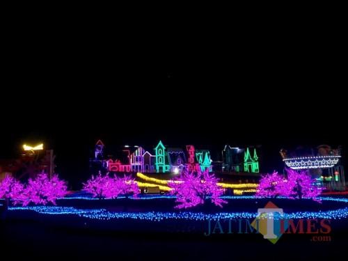 Salah satu wisata baru Milenial Glow Garden di Jawa Timur Park 3. (Foto: Irsya Richa/MalangTIMES)