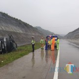 Pajero Ber-plat RI Terguling di Tol Mapan, Seorang Penumpang Meninggal di TKP
