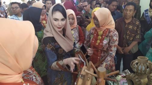 Arumi Bachsin: Kopi Bondowoso Mantap Betul