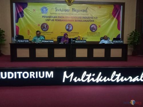 Seminar nasional pendidikan dan pembelajaran bagi guru dan dosen 2019 di Unikama (Anggara Sudiongko/MalangTIMES)