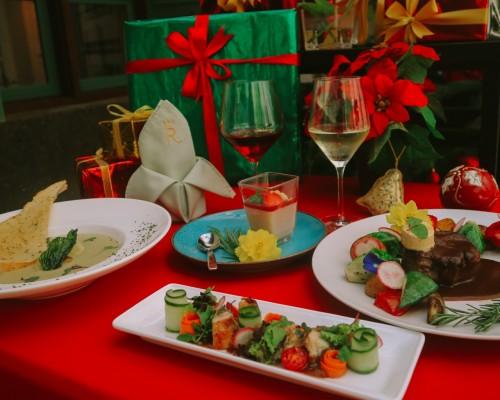 Bingung Rayakan Natal? Coba Sensasi Premium Steak dengan Taste Wine dalam Dinner Ala Itali