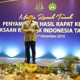 Hadiri Jamuan Makan Malam Bersama Kejati Jatim, Wali Kota Kediri Pamer Tenun Ikat