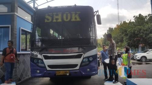 Jelang Nataru, Polres Blitar Cek Layak Jalan Angkutan Umum