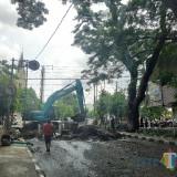 Pasang Crossing Saluran Air, Jalan Majapahit Dibongkar