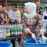 1.373 Botol Minuman Keras dan 18 Knalpot Brong Dimusnahkan Polres Batu