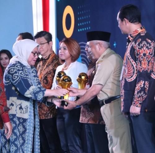 Bupati Malang Sanusi mendapat apresiasi dari Menteri Tenaga Kerja karena kepedulian tinggi atas PMI (Humas Pemkab Malang)