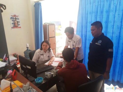 Proses assesment pecandu di Klinik BNN. (Anggara Sudiongko/MalangTIMES)