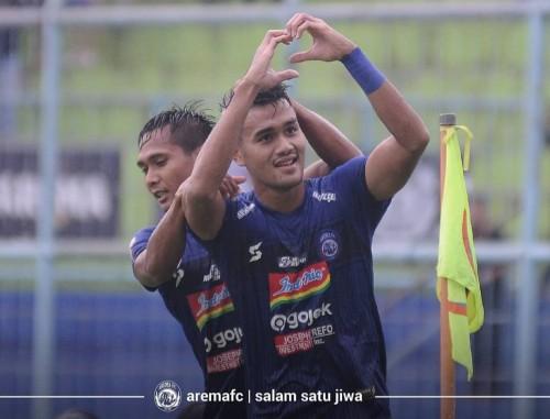 Pemain Arema FC menjalani pertandingan Liga 1 2019 dengan menggunakan apparel SEA (official Arema FC)