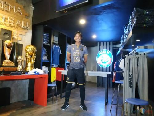 Jayus Hariono saat mengenakan jersey ketiga musim 2020 (Hendra Saputra)