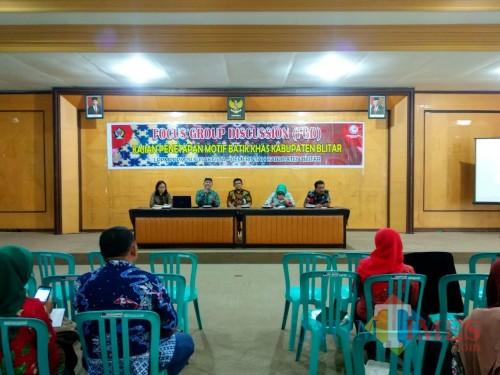 Eksplorasi Batik Khas Blitar, Disparbudpora Ajak Diskusi Para Pembatik