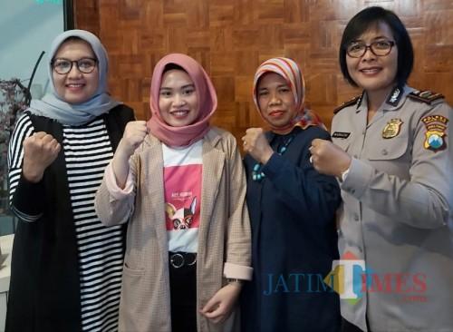 Kasubag Humas Polresta Malang Kota, IPDA Ni Made Seruni Marhaeni (paling kanan)(ist)