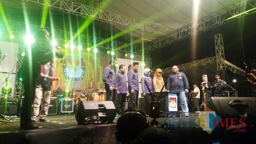 KPU Kabupaten Kediri saat me-launching acara Pemilihan Bupati dan Wakil Bupati Kabupaten Kediri. (eko Arif s /JatimTimes)