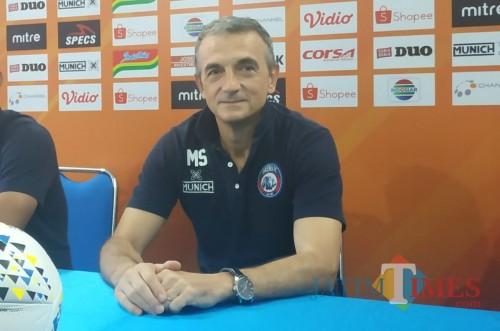 Usai Jalani Liga 1 2019, Milomir Seslija Curhat Soal Suporter di Indonesia
