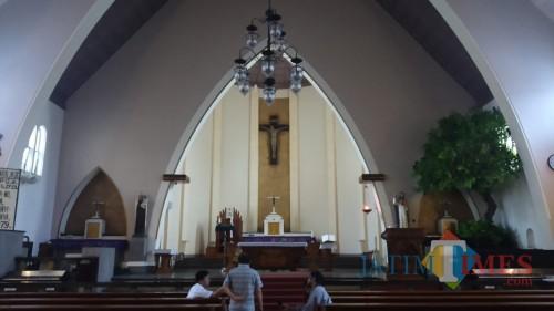 Kerap Jadi Jujugan Jemaat, Gereja Katedral Tambah Ribuan Bangku saat Misa Natal