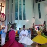 Potret Indah Toleransi, Gusdurian Kota Malang Tampilkan Albanjari dan Tari Sufi di Misa Natal