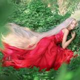 Bak Rapunzel di Dunia Nyata, Wanita Ini Punya Rambut Sepanjang Enam Kaki