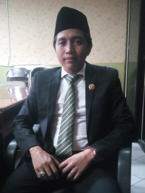 Sekretaris Komisi B Mahfudz