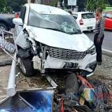 Tragis, Remaja di Blitar Tewas Ditabrak Minibus