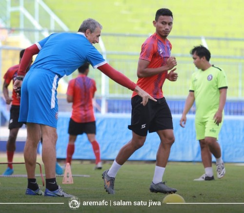 Gabung Madura United, Rifaldi Bawuoh Tinggal Tanda Tangan