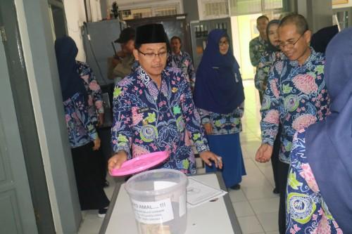 Wali Kota Malang Sutiaji (berkopyah) saat melakukan tinjauan Gerbu di Perkantoran Terpadu Kota Malang (Foto: Humas Pemkot Malang)