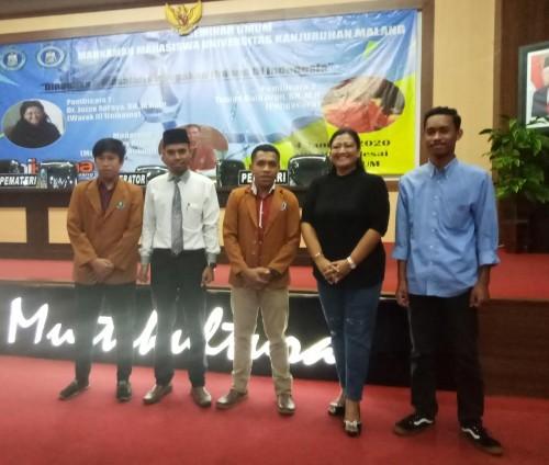 Para pemateri dan para mahasiswa Unikama peserta seminar umum bertema Dinamika dan masalah penegakan hukum di Indonesia, saat berfoto bersama (Anggara.S/MalangTIMES)