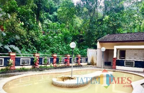 Pemandian Air Panas Alami (PAPA) yang berada di kawasan Songgoriti Resort Kelurahan Songgokerto, Kecamatan Batu. (Foto: Irsya Richa/MalangTIMES)