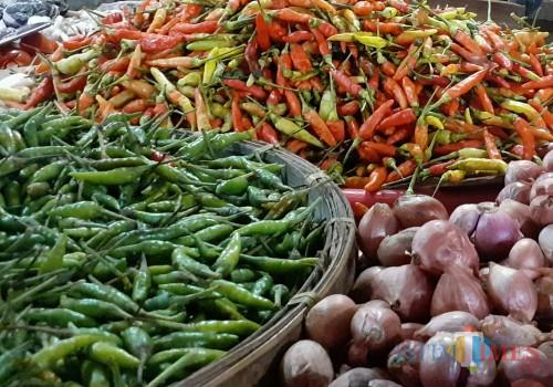 Komoditi bahan pokok cabai yang melonjak naik (Arifina Cahyanti Firdausi/MalangTIMES)