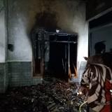 Diduga Lampu Minyak Terjatuh, Rumah Terbakar, Kerugian Hingga Rp 150 Juta