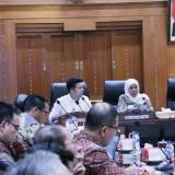 Pimpin Rapat Terbatas, Gubernur Khofifah Harap Big Data Koneksikan Antar OPD