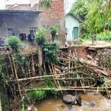 Sehari Dua Tanah Longsor Ancam Rumah Warga di Kota Batu