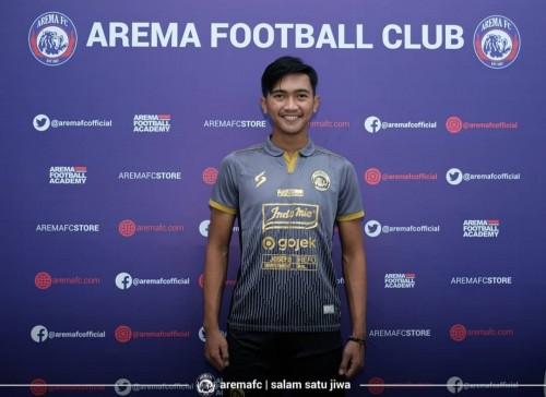 Jayus Hariono saat mengenakan jersey ketiga musim 2020 (official Arema FC)