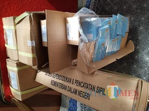 10 ribu blangko E-KTP yang diterima Kabupaten Lumajang (Foto : Moch. R. Abdul Fatah / Jatim TIMES)